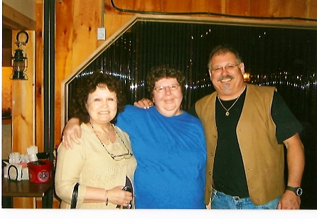 Sharleen Hooper & Denny Breau with fan at 2009 Maine Pioneer Show