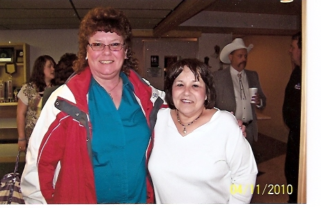 Ira\'s sister Ruthie & her friend sells CD\'s at the shows